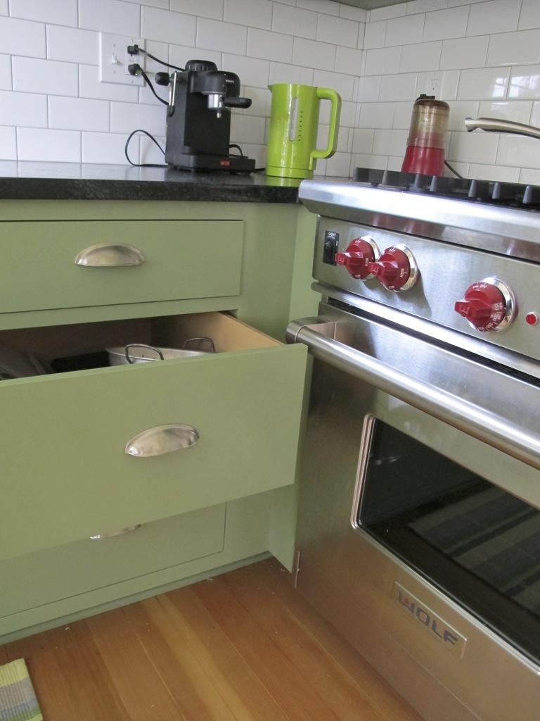 university-kitchen-10